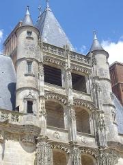 Château et ses abords -  Aile Longueville du château de Châteaudun (Eure-et-Loir, France), escalier Renaissance
