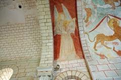 Eglise Saint-Etienne - Paulnay (Indre)  Eglise Saint-Etienne.  Ange musicien, joueur de rebec.  Le rebec originaire du Moyen-Orient, fut introduit en Europe au 12ème siècle. Il fut apprécié des troubadours entre le 12ème et le 17ème siècle. Le rebec appartient à la famille des vièles, il était, fort répandu dans les pays musulmans.  Lauda Novela - Tenor Rebec (medieval 13th c.): <a href=