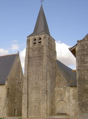 Eglise paroissiale Saint-Sulpice - Français:   Clocher et portail de l\'église Saint-Sulpice.