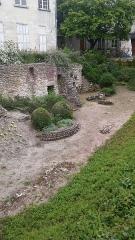 Ancienne église Saint-Pierre-le-Puellier - Français:   Ancien lieu de soin sous forme de site archéologique.