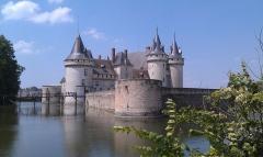Château -  Château de Sully-sur-Loire, dans le Loiret (France)
