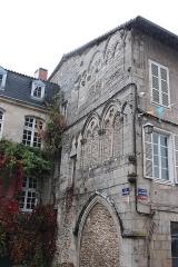 Église collégiale Saint-Léonard - Occitan:  Façada faça a la collegiala de Sent Liunard (de Noblac)