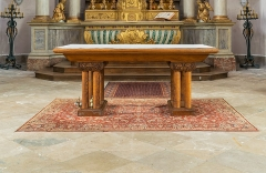 Eglise Saint-Symphorien - English:  Altar in the Saint Symphorian church in Gy, Haute-Saône, France