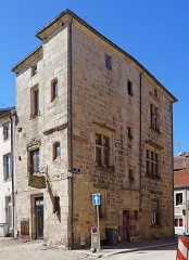 Maison du 16e siècle - Français:   La maison à l\'oriflamme de Luxeuil-les-Bains.