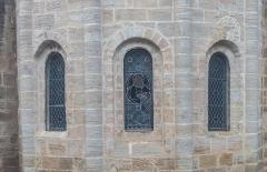 Eglise Saint-Martin - English:  Windows of the Saint Martin collegiate church in La Canourgue, Lozère, France