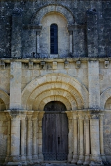 Eglise Saint-Barthélémy - Français:   Porche de l\'église