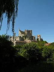 Château baronial ou des Evêques de Poitiers - Français:   Le Château d\'Harcourt (partie centrale de l\'ensemble) a été édifié du XIII e eu XV e siècle
