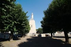 Monument A la Victoire et aux Soldats de Verdun - English:  View to the Victory Monument in Verdun from the side.