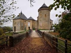 Ruines du château de Mensberg, dit aussi château de Malbrouck - Français:   Château de Malbrouck