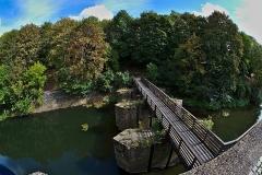 Vestiges de l'enceinte du Moyen-Age - English:  A bridge over the Seille at the medieval fortifications of Metz.