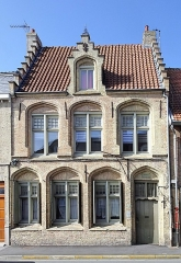 Ancienne gendarmerie - Français:   Bergues.-  Ancienne gendarmerie, tribunal dit Prévôté Saint-Donat