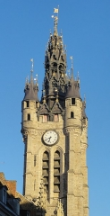 Hôtel de ville et beffroi - French photographer and Wikimedian