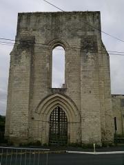Eglise Saint-Denis (ruines) - Français:   Église Saint-Denis, XII°S, fr-49 Doué-la-Fontaine.