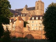 Enceinte gallo-romaine (restes) -  La cathédrale St Julien  et l'enceinte Gallo-Romaine du Mans.
