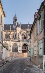 Cathédrale Saint-Cyr et Sainte-Julitte - English:  Saints Quiricus and Julietta cathedral in Nevers, Nièvre, France
