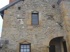 Tour du moulin - Deutsch:  Tour du Moulin Kapitell