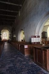 Eglise Saint-Germain -  Intérieur de l'église Saint-Germain de La Ferté-Loupière (89). Costale sud de la nef.