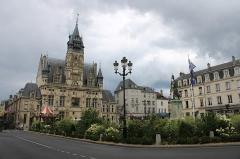 Hôtel de ville - Français:   Place de l\'hôtel de ville de Compiègne