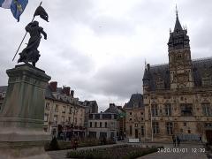 Hôtel de ville - Українська:   Je Yrey Voir Mes Bons Amys De Compiegne 1430-1880-1895-2020.4 FRANCE