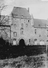 Restes du château d'Happlaincourt -