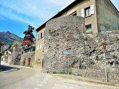 Remparts - Français:   Tour polygonale Romaine