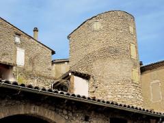 Remparts - Français:   Tour est