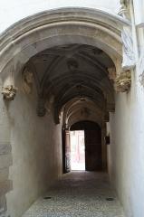 Maison des Têtes - Français:   Valence intérieur de la maison des têtes