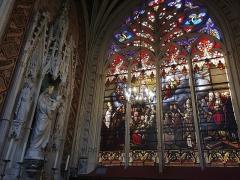 Eglise Notre-Dame-des-Marais - Français:   Vitraux de la nef.