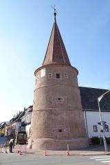 Ancienne enceinte fortifiée urbaine - Français:   Tour des voleurs à Ammerschwihr (Haut-Rhin, France).