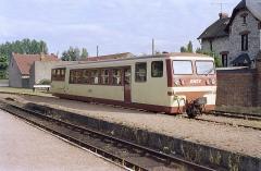 Ligne à voie ferrée métrique le Blanc-Argent (ou B.A.) sur le tronçon Luçay-le-Malé-Argy - Français:   L\'autorail Verney X 213 stationne à l\'ancien terminus de Salbris BA le 14 octobre 1989.