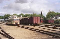 Ligne à voie ferrée métrique le Blanc-Argent (ou B.A.) sur le tronçon Luçay-le-Malé-Argy - Français:   L\'autorail Verney X 213 en gare de Valençay le 14 ocotbre 1989.