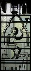 Immeuble - Français:   Chartres, Vitrail de la façade de l\'atelier Louis Barillet, vu de l\'intérieur