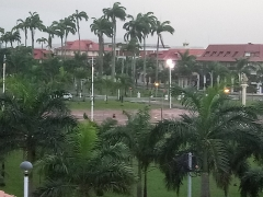 Place de l'Esplanade, dite place des Palmistes - Français:   Jour de pluie à Cayenne, place des Palmistes