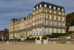 Ancien Hôtel des Roches Noires - English:   Hôtel des Roches Noires in Trouville-sur-Mer