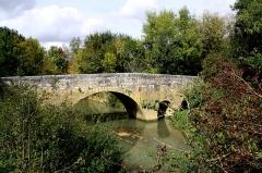 Pont d'Artigue - Lëtzebuergesch:  Pont de l'Artigue tëscht Larressingle a Beaumont