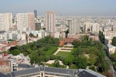 Institut dentaire George Eastman - English:  Parc de Choisy as seen from the tour Athènes, Paris, France.