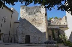 Tour du moulin de l'Ecole - Français:   Tour du Moulin de l\'École