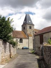 Eglise Saint-Martin - Français:   Rue du Presbytère, vue sur l\'église.