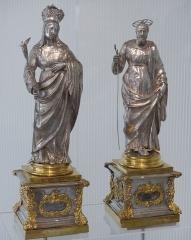 Musée Masséna - Français:   Nice (Alpes-Maritimes, France), sur la promenade des Anglais, la Villa (palais plutôt) Masséna, siège du musée du même nom. Deux statues-reliquaires en argent, la Vierge-Marie & St Joseph, provenant de la cathédrale Ste Réparate de Nice.