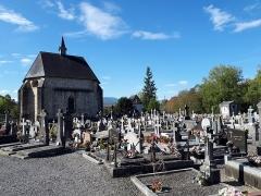 Chapelle Saint-Jean-de-Berraute - English:  The old cemetery of Mauléon (Pyrénées-Atlantiques).