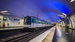 Métropolitain, station Gambetta - Français:   MF67 061