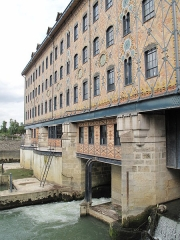 Ancienne usine Menier - English:  The Moulin Saulnier of the chocolate factory in Noisiel (Seine-et-Marne, France) seen from downstream side.