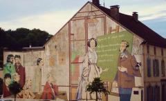 Lycée Saint-Louis -  Fresque murale Julie-Victoire Daubié, Fontenoy-le-Château. Elle représente aussi d'autres Vosgiens célèbres: Pierre Pelot, Maurice Pottecher, Maurice Barrès, Jules Ferry, Yves Simon,Gérald Antoine, Hubert Curien et Henri Thomas