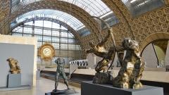 Ancienne gare d'Orsay, actuellement musée d'Orsay -  Hall du musée d'Orsay avec son horloge monumentale et la statue de Bourdelle