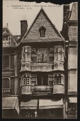 Maison du 16e siècle, dite Maison du Chapelier -
