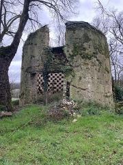 Château du Bois-Glaume - Français:   Le pigeonnier du Château du Bois Glaume