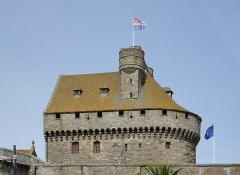 Château et fortifications - Français:   Grand donjon du château de Saint-Malo (Ille-et-Vilaine, France).