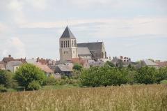 Eglise Saint-Pierre - Français:   Vue de Chécy, France.