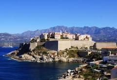 Remparts de la citadelle et Tour du Sel -  Calvi von der Nordseite der Zitadelle aus 13.-15. Jh Region - Calvi-Balagne Korsika Frankreich - Foto Wolfgang Pehlemann
