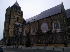 Eglise Saint-Jacques - Français:   Église Saint-Jacques (Le Tréport) vue du sud
